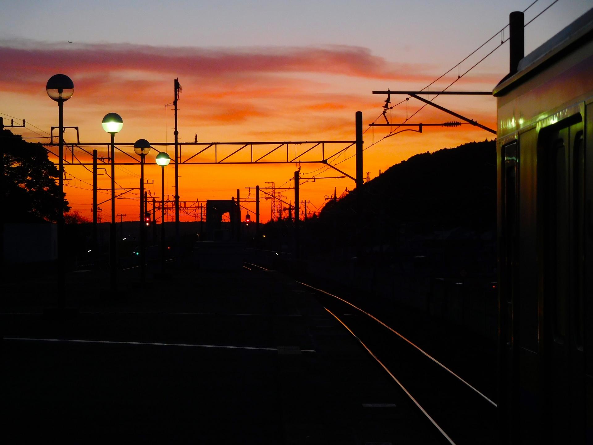 鹿島神宮駅のホームからの夜景