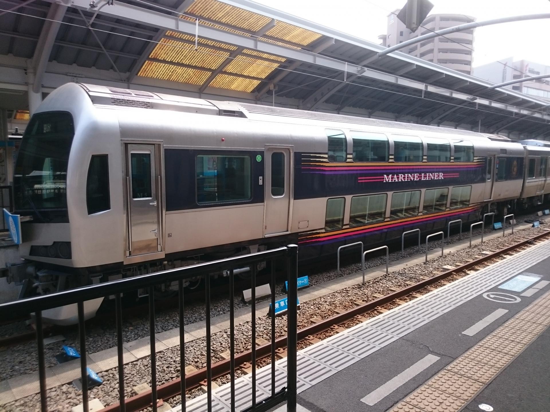 瀬戸大橋線快速「マリンライナー」